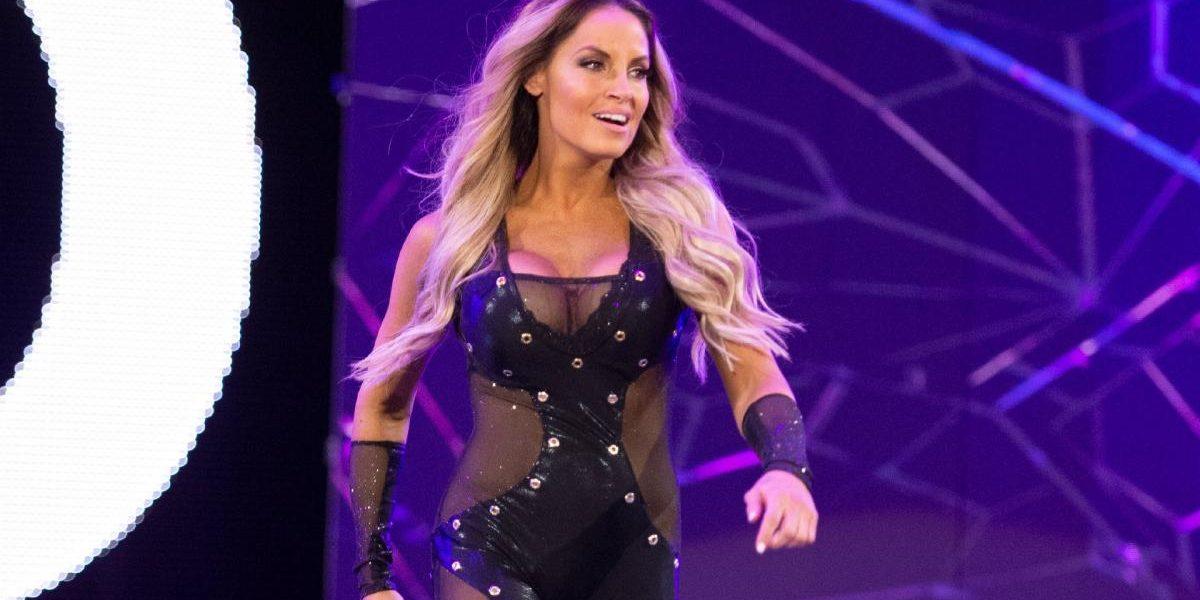 WWE: Trish Stratus è a favore dei match intergender