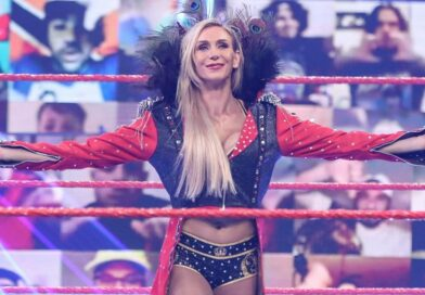 WWE: Esilarante botch di Charlotte Flair a Hell in a Cell *VIDEO*