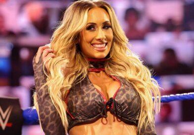 WWE: Carmella rischia il topless durante un match *VIDEO*