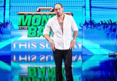 WWE: Baron Corbin continua a chiedere aiuto