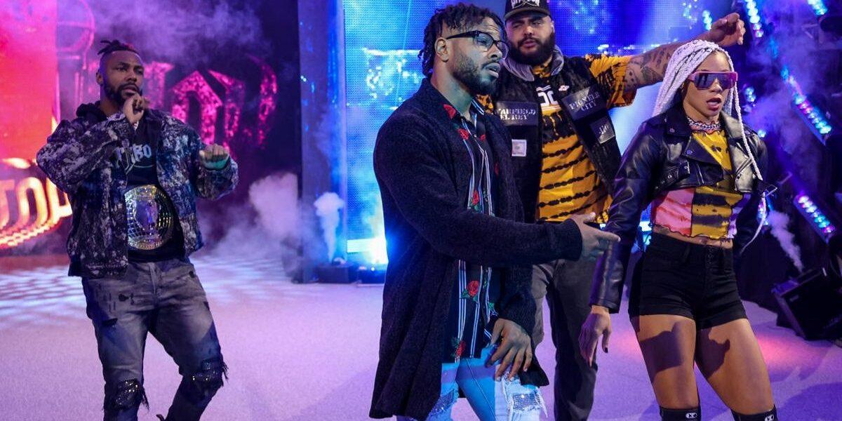 WWE: Enormi cambiamenti per la Hit Row