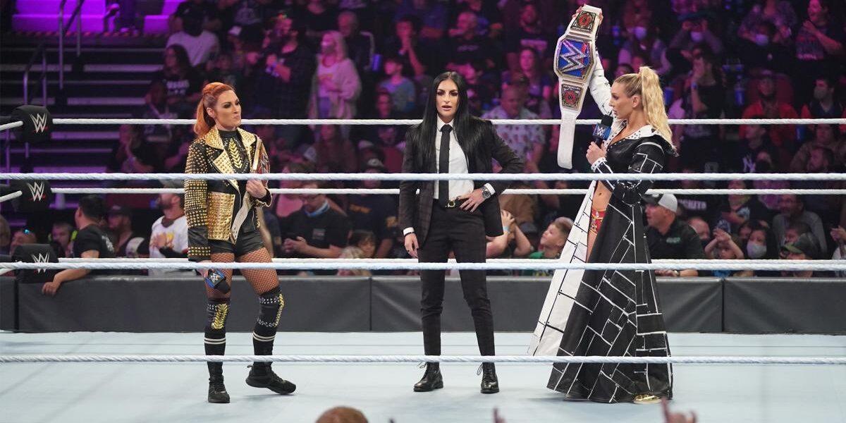 WWE: Scontro fisico tra Charlotte Flair e Becky Lynch nel backstage?